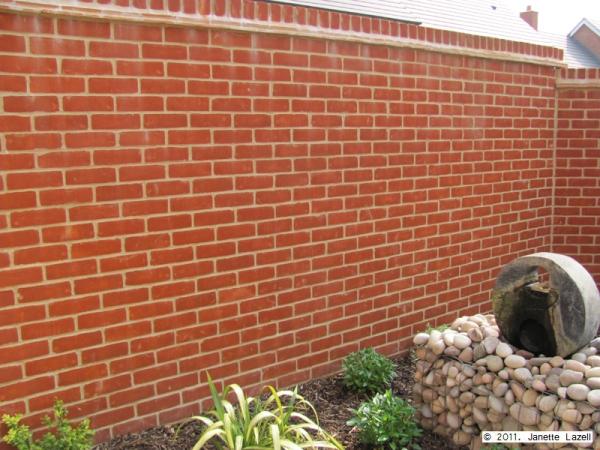 Sculpture-garden for wall hanging